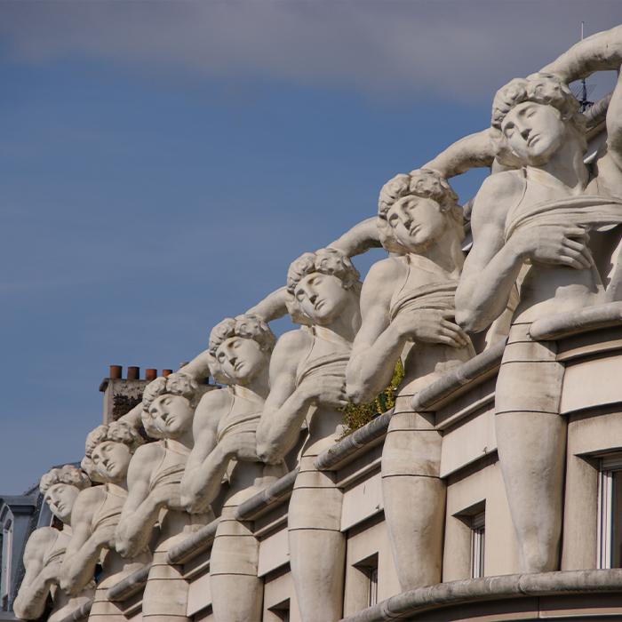 paris-12eme-arrondissement-commissariat-central-de-police-facade-Wikipedia