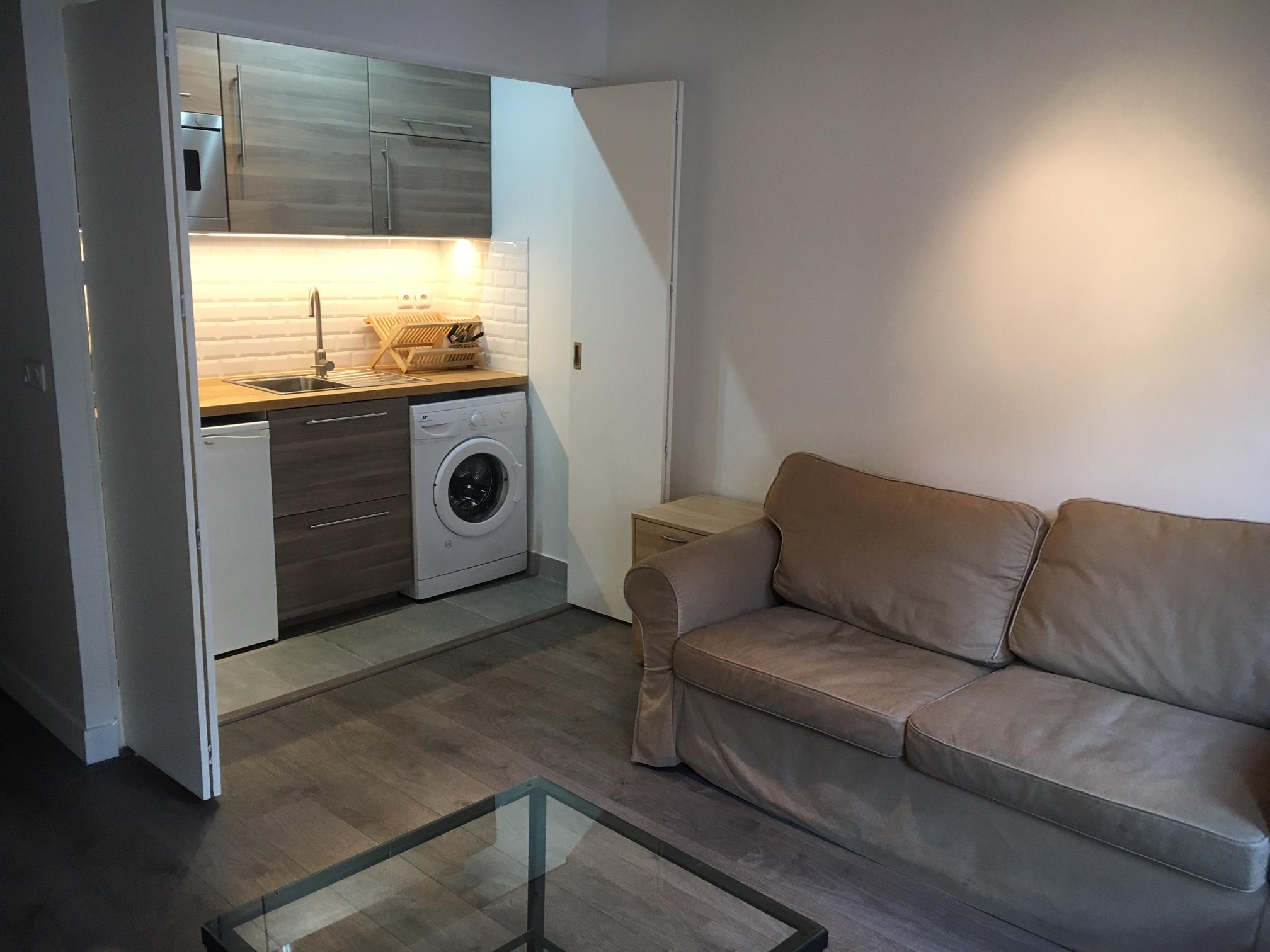 valiere-cortez-location-studio-mouffetard-salon-cuisine