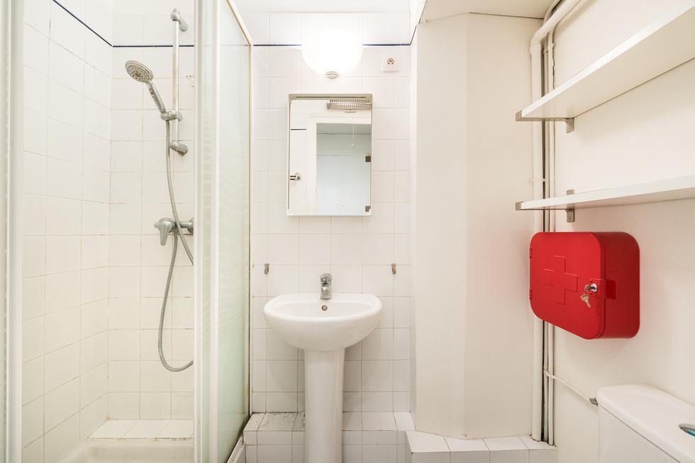 valiere-cortez-vente-appartement-lamarck-paris-18-salle-deau