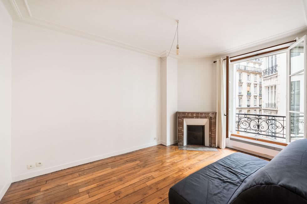 valiere-cortez-vente-appartement-lamarck-paris-18-salon-2