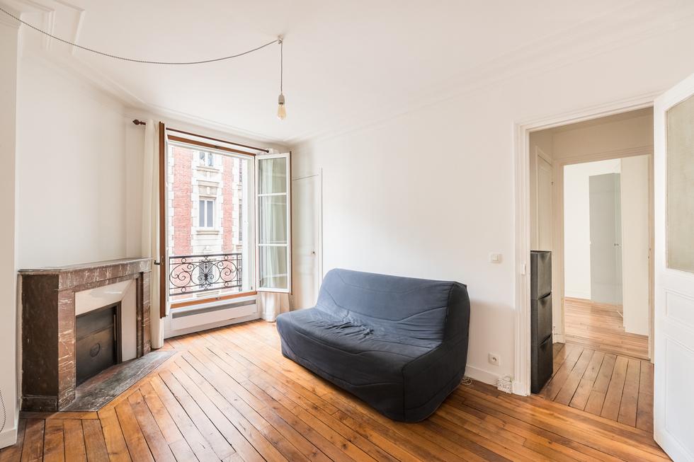 valiere-cortez-vente-appartement-lamarck-paris-18-salon