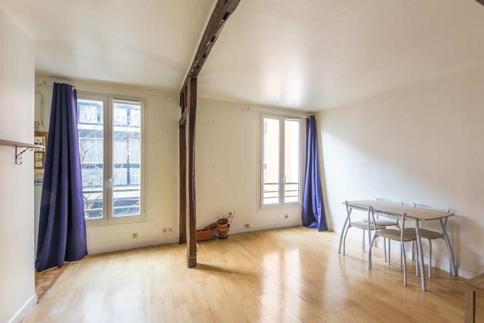 valiere-cortez-vente-studio-belleville-chambre-2