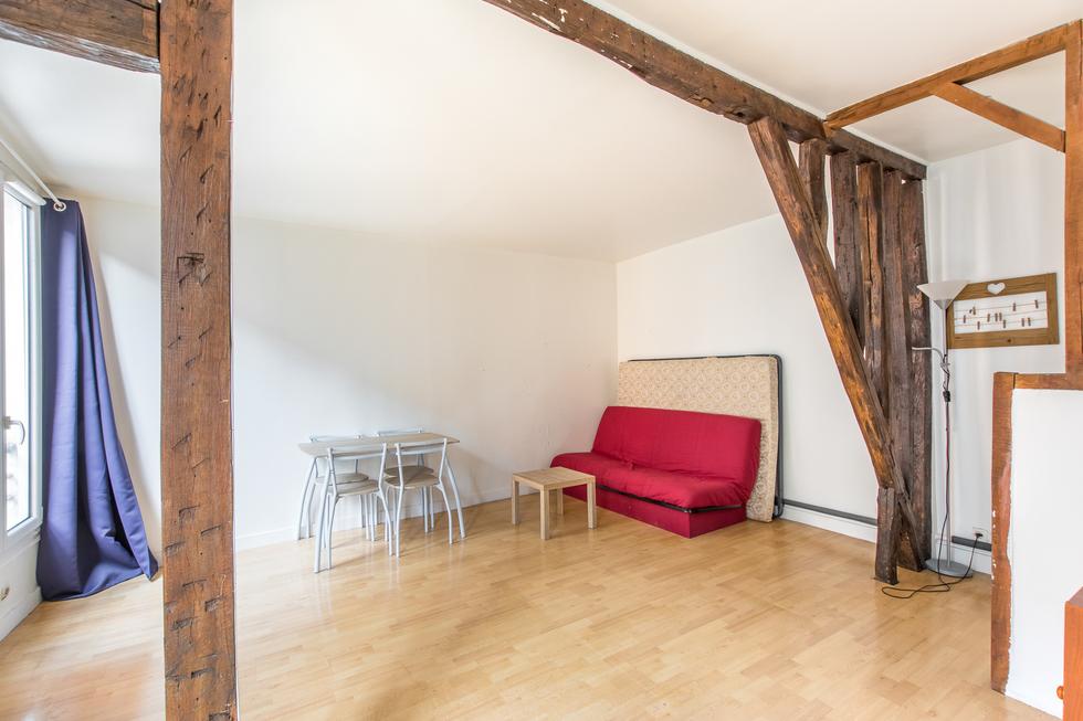 valiere-cortez-vente-studio-belleville-chambre